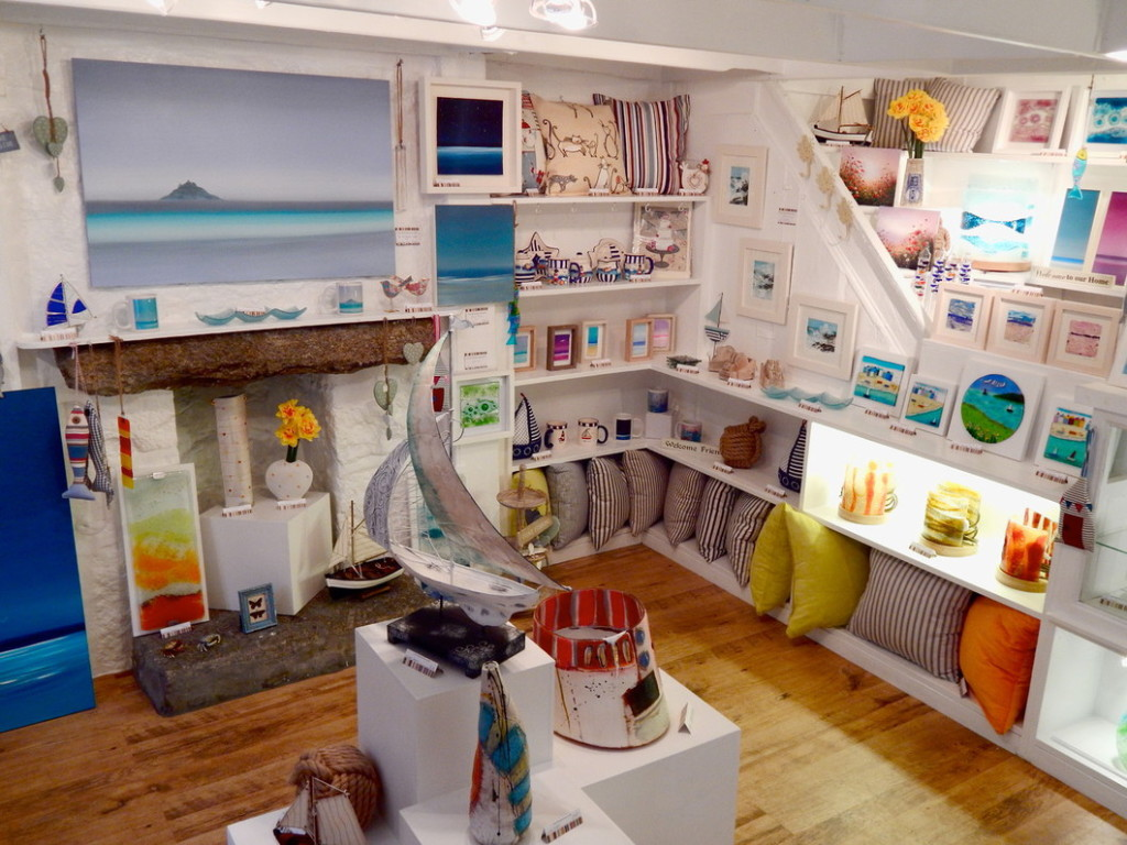 Mowzer Gallery, Brook St., Mousehole Cornwall
