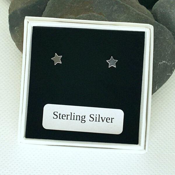 tiny star stud earrings